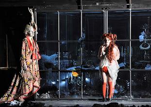 """Photo: WIEN/ BURGTHEATER; """"DANTONS TOD"""" von Georg Büchner. Inszenierung; Jan Bosse. Premiere 24. Oktober 2014. Joachim Meyerhoff, Jasna Fritzi Bauer. Foto: Barbara Zeininger"""