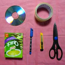 Photo: Materiales listos! (casi cualquier caja sirve, y conviene tener algún pedazo de cartón adicional...)