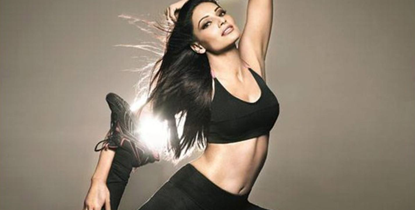 C:\Users\user\Desktop\Reacho\pics\Bipasha-Basu-Yoga-JFW.jpg