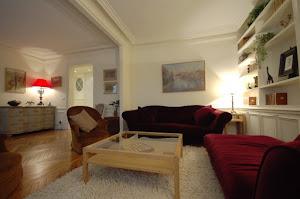 Bright living room at 2 Bedroom Apartment Ile St Louis, Paris