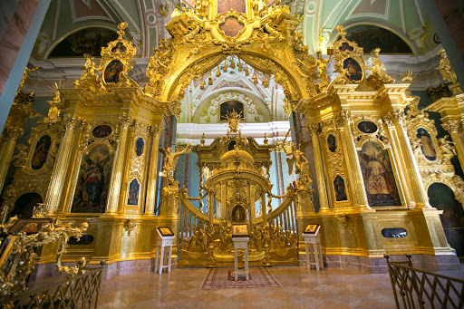 cathedral-interior.jpg - The altar of Saints Peter and Paul Cathedral in St. Petersburg, Russia.