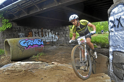 Magazine editor Sean Badenhorst looks the part in the Joburg Urban Mountain Bike Adventure.