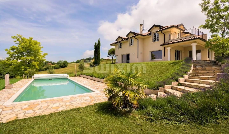 Maison avec piscine et terrasse Loisin