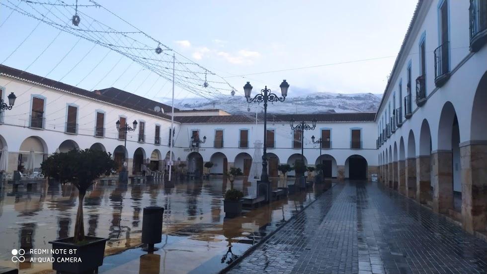 Plaza Porticada de Berje en la mañana del domingo.