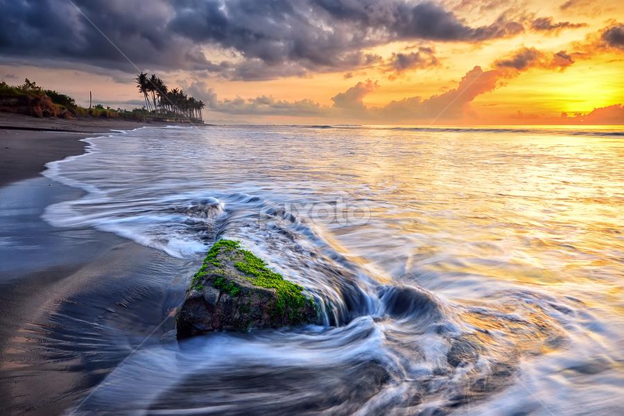 Stone by Hendri Suhandi - Landscapes Waterscapes ( sand, bali, sunset, stone, sunrise, beach, landscape )