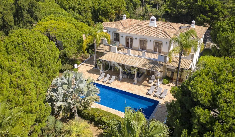 Maison avec piscine en bord de mer Almancil