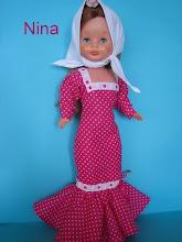 Photo: Vestido chulapa en fucsia: pañoleta cabeza, flor y vestido: 28 euros más envío.  Si se desea mantón de manila, son 10 euros al adquirirlo con el vestido y posibilidad de elegir entre varios colores.