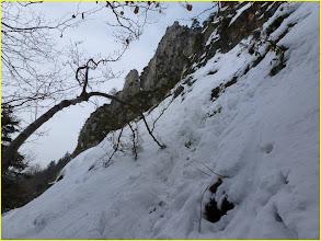 Photo: cascade du saut du Gier. Sentier sur la gauche pour accès à la partie supérieure