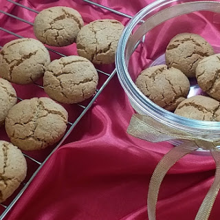 Fennel-jaggery Wholewheat Cookies.