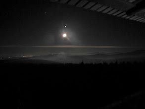 Photo: w blasku księżyca