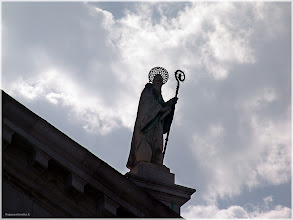 Photo: Detalle del ornamento exterior de la basílica de  San Giorgio Maggiore. Venecia. http://www.viajesenfamilia.it