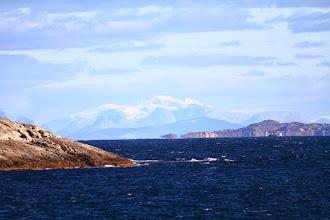 Photo: Blick auf die schneebedeckten Festlandberge