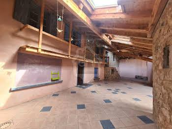 Divers 14 pièces 410 m2