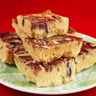 4-Ingredient Peanut Butter Chocolate Fudge Recipe