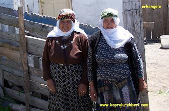 Photo: Fadime (Fede)  ÖZDAĞ & Emine ÖZKURT