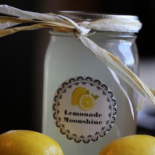 Crock Pot Lemonade Moonshine