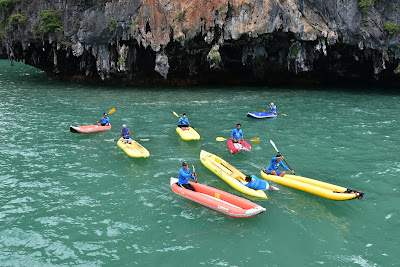 The guides get ready to take you on the sea kayaks