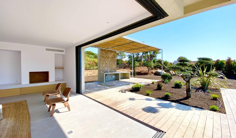 Villa avec piscine en bord de mer Sainte lucie de porto vecchio