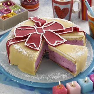 Gift Bow Birthday Cake.
