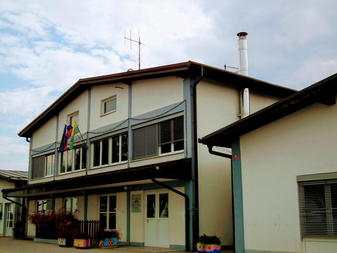 Radenski vrh - helyi URH-FM adóállomás