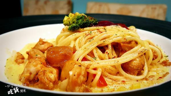 看似平凡吃起來不凡的義大利麵、燉、烤飯就在。奧利佛餐廚