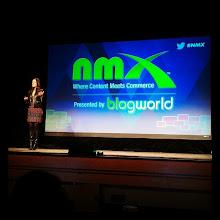 Photo: @amyjomartin en escenario compartiendo experiencias muy interesantes #nmx