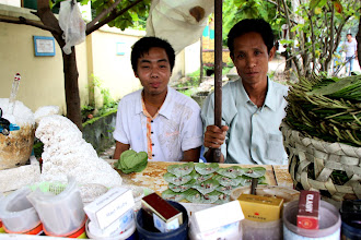 Photo: Year 2 Day 54 - Lime Leaf Sellers