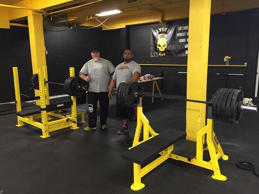 hangar gym bench press
