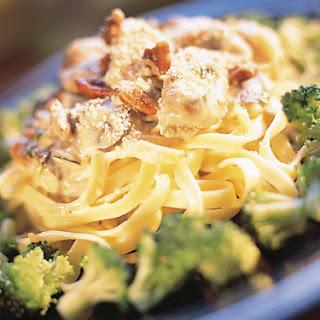 Chicken Pecan Fettuccine With Broccoli Italiano