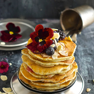Easy and Basic Pancakes.