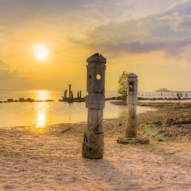 Sunset beach by Muhammad Ikhsan - Landscapes Sunsets & Sunrises