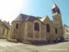 Photo: Le clocher du vieux village de Viroflay - e-guide balade à vélo de Meudon au Château de Versailles par veloiledefrance.com