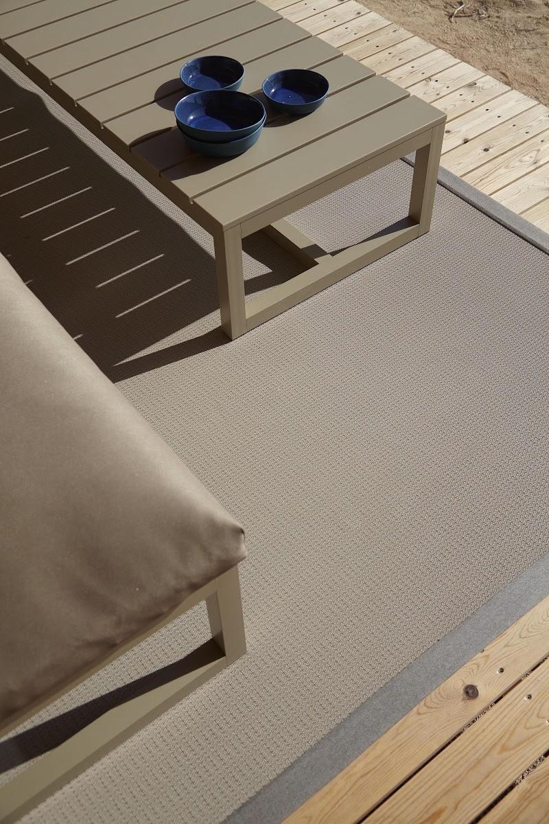 Dickson, la alfombra de exterior / Gandiablasco