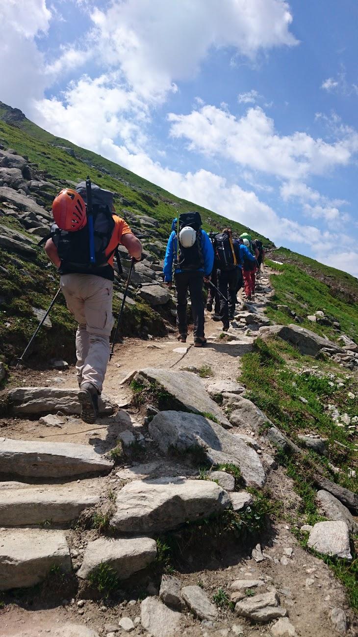 Na de lunch lopen we verder naar refuge Albert 1er