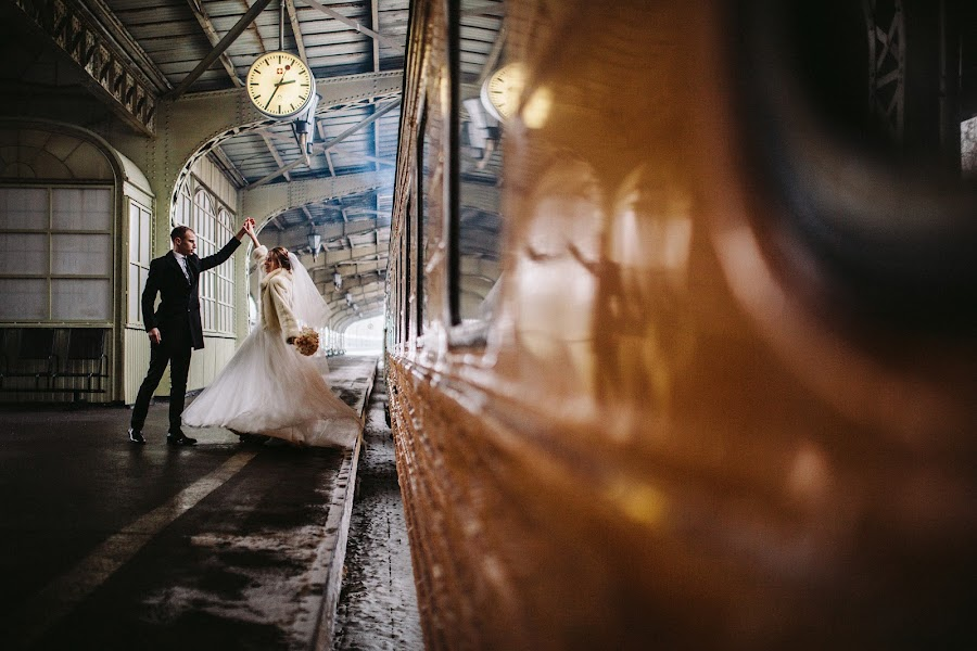 Wedding photographer Dmitriy Lebedev (Lebedev). Photo of 20.01.2017