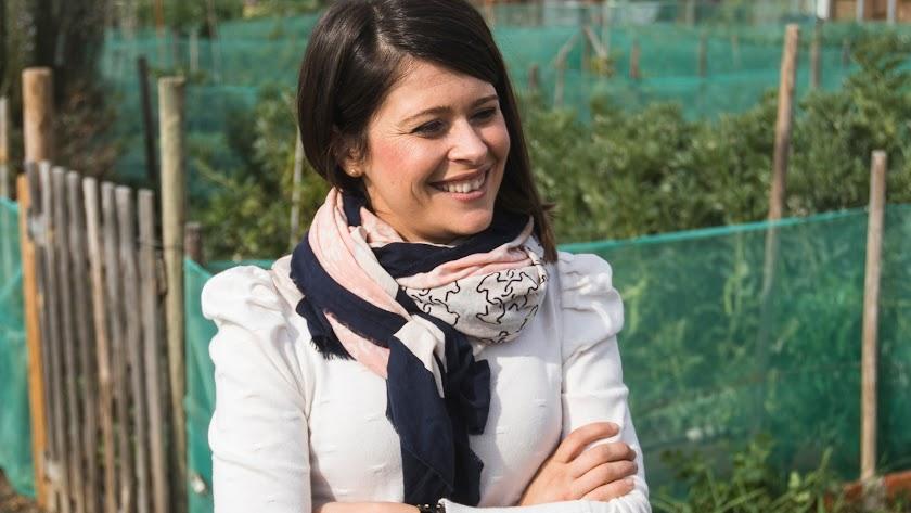 Ángeles Martínez, diputada de Bienestar Social.