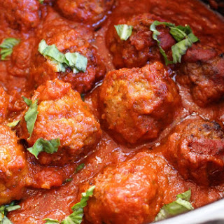 Slow Cooker Meatballs and Tomato Sauce
