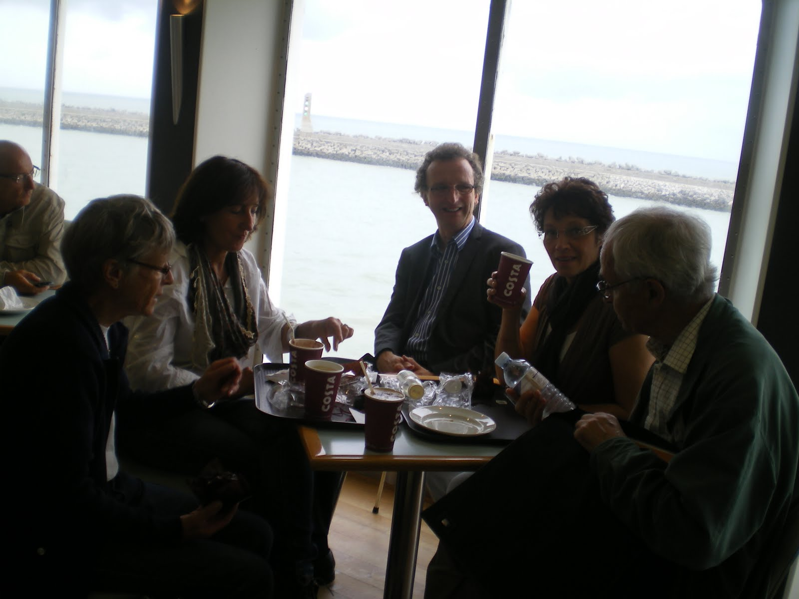 Photo: petit déjeuner sur le ferry