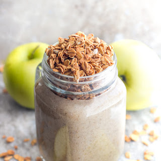 Warm Apple Pie Oatmeal Smoothie