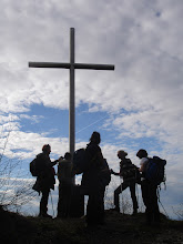 Photo: križ blizu kamenih svata