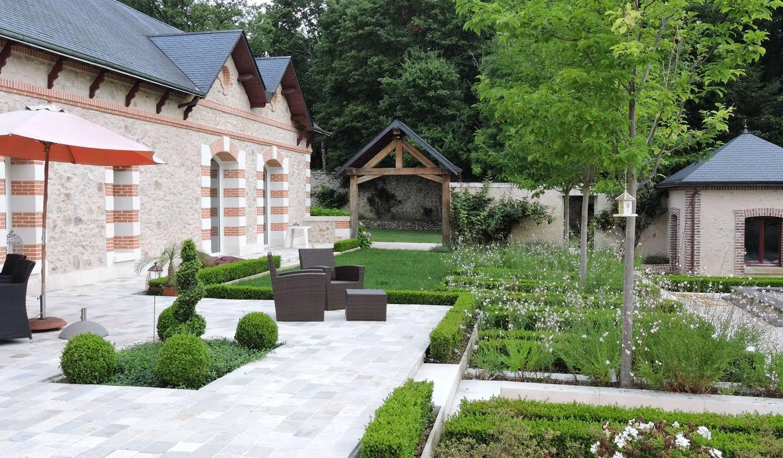 Propriété avec piscine et jardin Saint-Antoine-du-Rocher