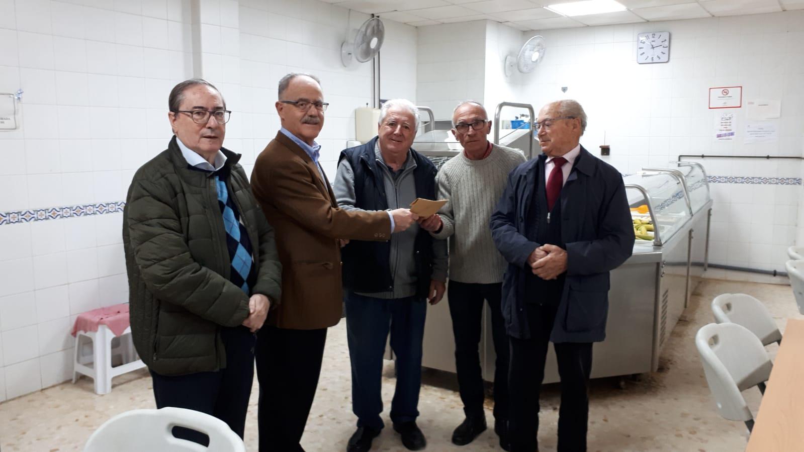 FAPACSA dona el importe de la venta del libro de M. Tapia al comedor del Padre Cruceira