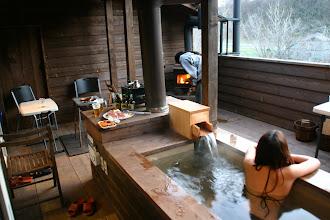 Photo: 暖炉・BBQスペース・露天風呂がある贅沢なコンドミニアムテラスでお楽しみ下さい