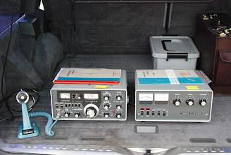Photo: Döm om min förvåning när jag hittade min (EAT) gamla Sommerkamp FT277E till salu för 1500:-- (till vänster). Mikrofonen har tillhört SM6MLB.