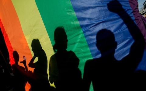 ¡¿Estudiante Transgénero demanda un profesor por irrespetarlo?!