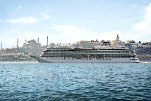 Viking-Star-Istanbul - Viking Star cruises through the waters of Istanbul.