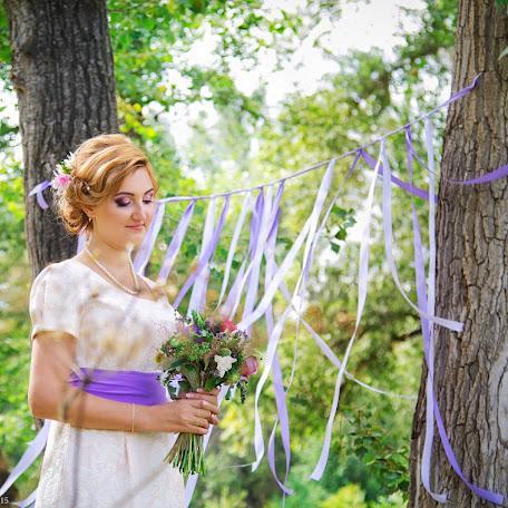 Wedding photographer Elina Mnushkina (Elis). Photo of 27.02.2016