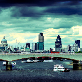 London City by Rob Jarvis - City,  Street & Park  Skylines