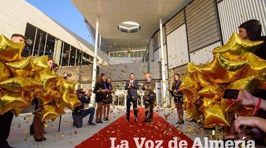 La alfombra roja del CC Torrecárdenas, nominada a mejor inauguración del mundo
