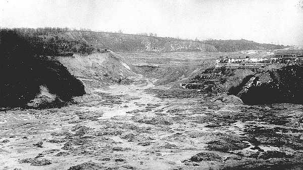 Разрушения в Бабьем Яру в марте 1961 года